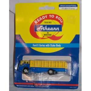 HO RTR Ford C Stake Bed, SF Toys & Games