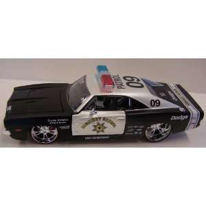 Maisto 1/24 Scale Diecast Custom Shop Series 1969 Dodge Charger