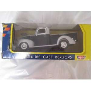 1940 Ford Pickup Black /Silver 124 Toys & Games